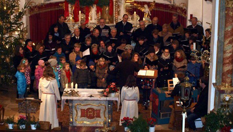 Kinder-, Jugend- und Gemischter Chor an Weihnachten 2013
