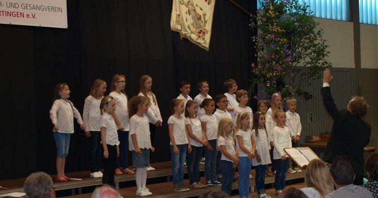 Alle Kinder- und Jugengchöre singen beim Jahreskonzert mit